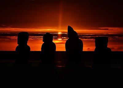 EAS_3326-7x5-Moai Sunset
