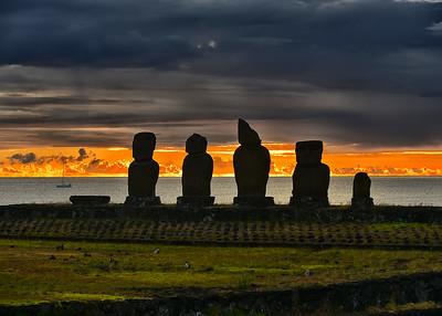 EAS_2242-7x5-Moai Sunset