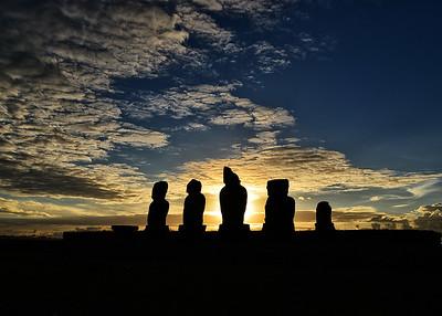 EAS_0940-7x5-Moai at sunset