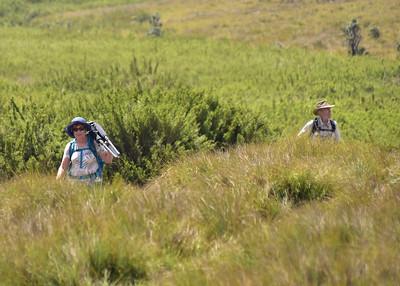 SRI_1557-7x5-Leslie-Les on trail