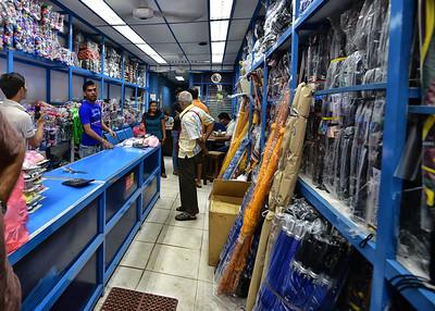 NEA_0291-7x5-Umbrella Store