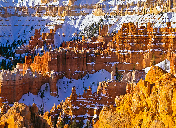 USA-Utah Bryce Canyon National Park spring, snow, sunrise