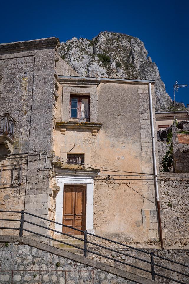 Streets of Caltabellota VI