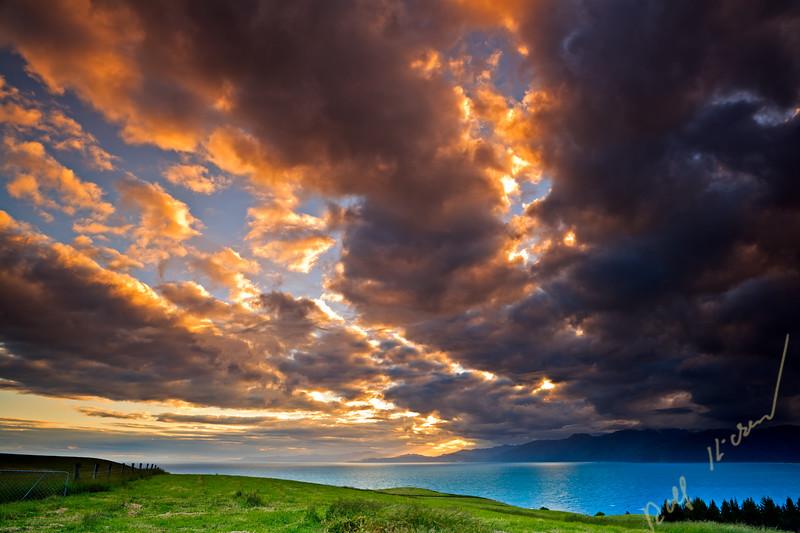 Sunset over South Bay and the Kaikoura Coast, East Coast, South Island, New Zealand.