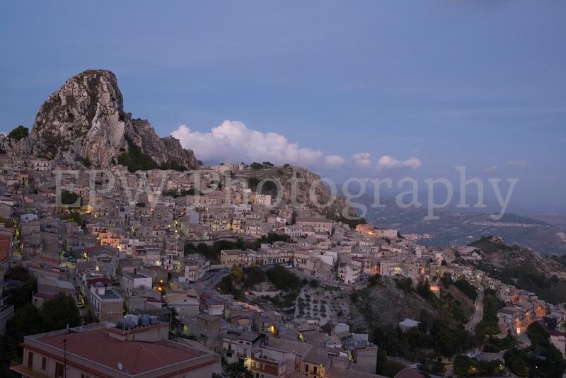 Sunset on Caltabellota II