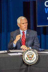 VP_Pence_visit_018