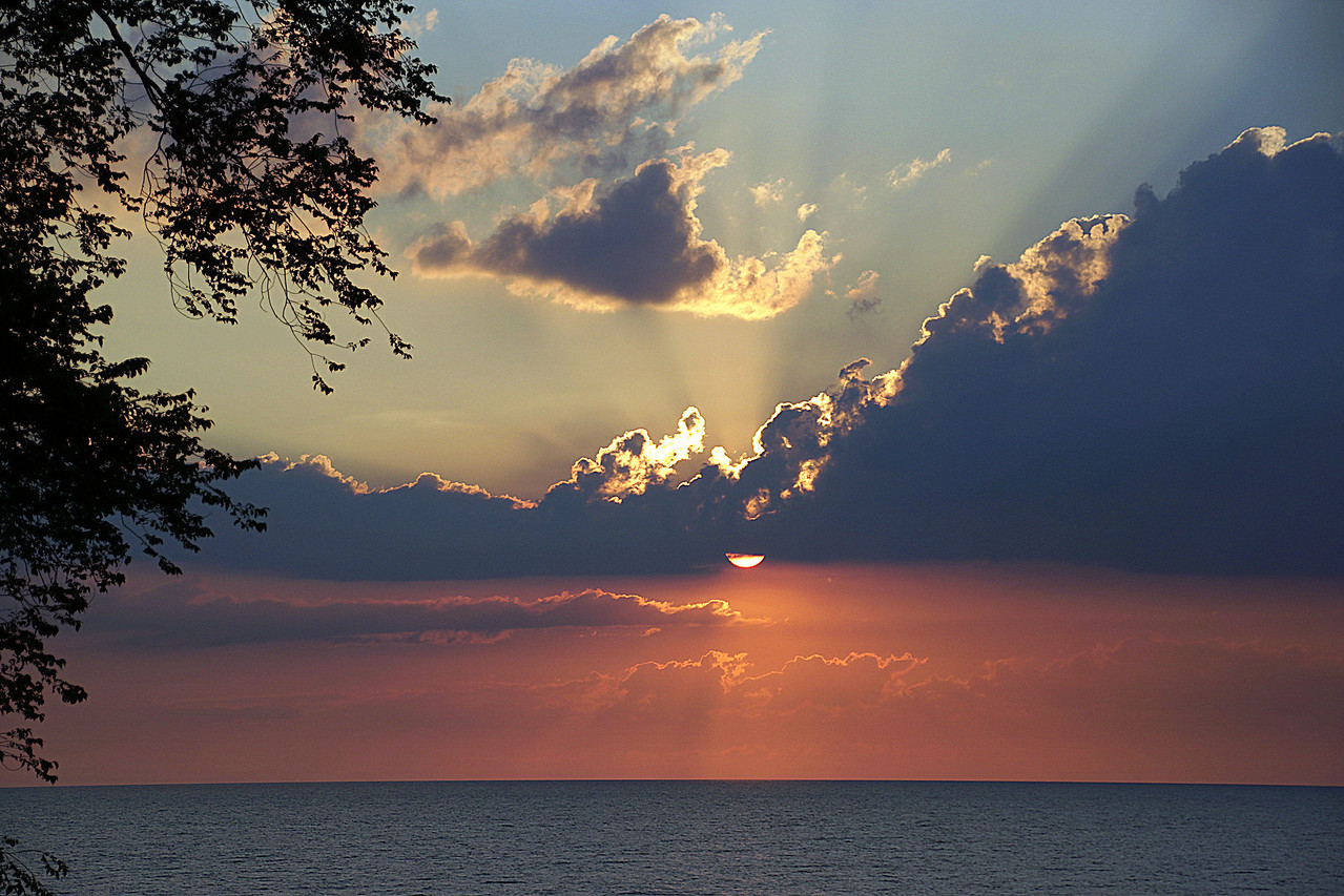 Sunset shot from Lakeview Park Lorain