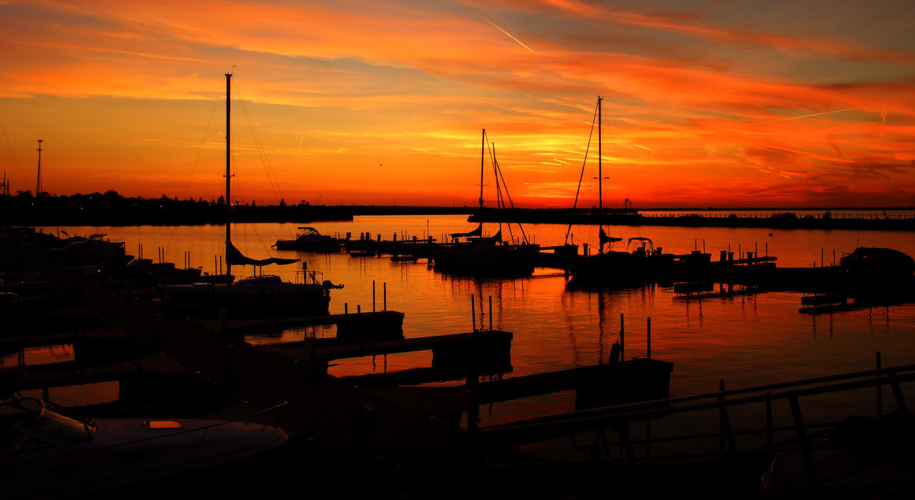 Lorain Sunset shot from Spitzer Marina