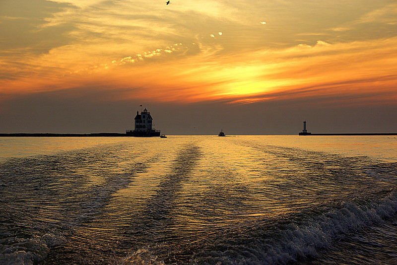 Lorain's Harbor and Lighthouse