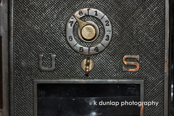 05.01.09 = The winner is................Donn.  Don't know his link.  Now, question, Donn guessed with a question mark, normvz gussed that it was a po box without the question mark. Either way, sorry no prize.  I just liked the texture and was playing around with crops, thought it would be fun.  I also got a new toy, a new 100mm macro lens, so now, everything is a photo op.    Have a great weekend everyone.