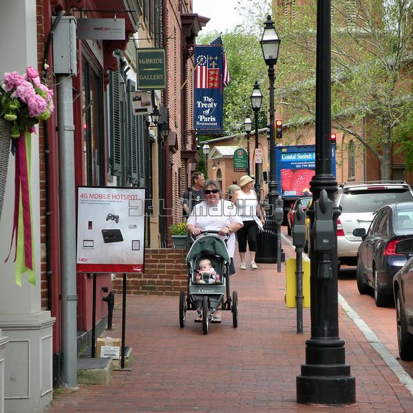 A walk down Main Street Annapolis.