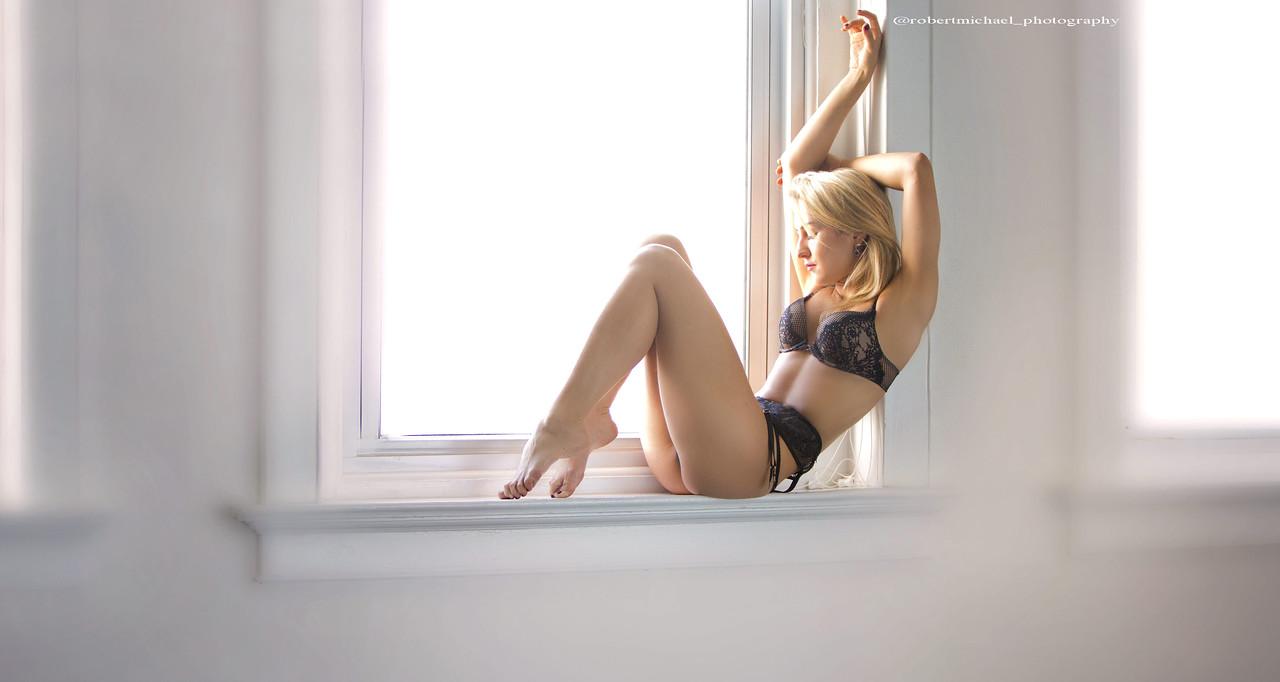 https://photos.smugmug.com/Photo-Shoot-EDITED-Studio-Nika/i-RHSdwwX/0/X2/Nika-1-X2.jpg