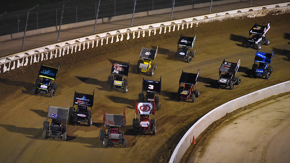 The field takes the green flag for the second Friday night A-Main.