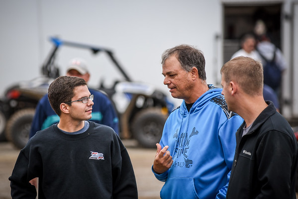 Freddie Rahmer talks with Hall of Famer Lance Dewease prior to the drivers meeting.