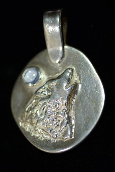 Wolf with Aquamarine