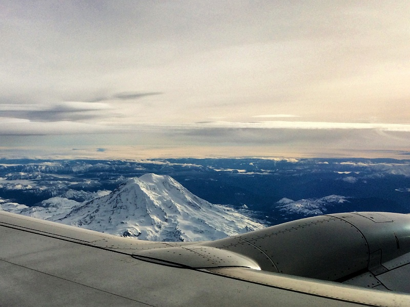 27 Nov 2014: Great view of Mt. Rainier on the way out of Seattle