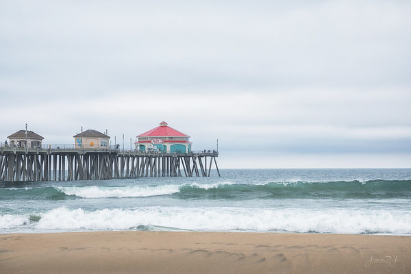 March 19 - The sun didn't cooperate, but Huntington Beach never disappoints...<br /> <br /> #CY365 - Exposed<br /> Huntington Beach Pier<br /> Huntington Beach, CA