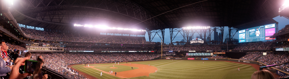 28 Aug 2014: Roof closed at Safeco Field