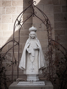 29 Nov 2014: Statue at the Cathedral Basilica of St. Francis of Assisi in Santa Fe