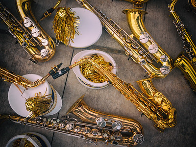 9 Nov 2014: ...and some saxophones