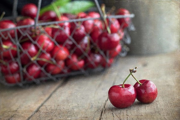 May 25 - Life is a bowl of cherries...or is it a box of chocolates???<br /> <br /> #CY365 - Diagonal