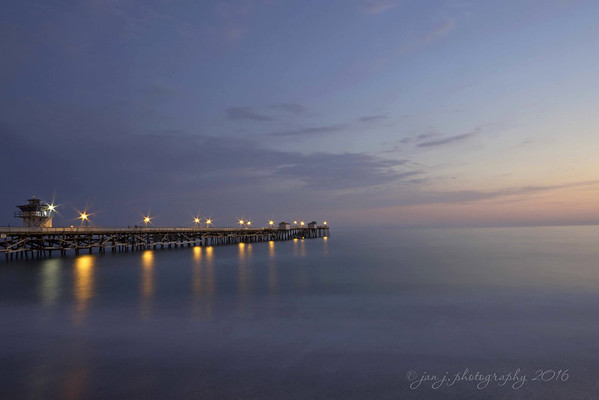 June 21 - Dinner and a sunset in San Clemente...<br /> <br /> San Clemente Pier