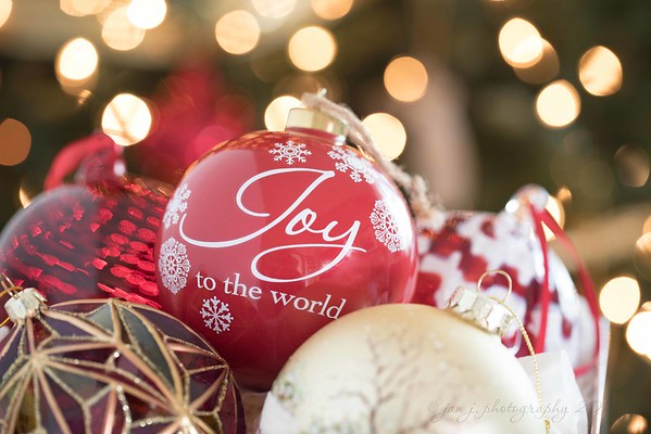 December 2 - Let every heart prepare Him room...  #CY365 - Finding Joy #Capture the Holidays #Capturing Lights #Focusing on Life - Bokeh