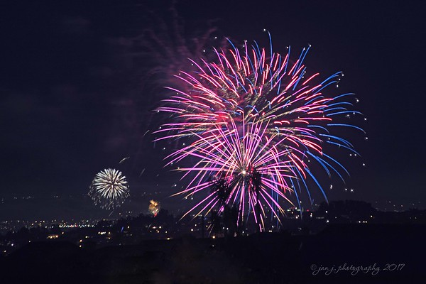 July 5 - Taken last night over Lake Mission Viejo. I'm thankful for the beauty of fireworks...I just love them!<br /> <br /> #CY365 - Cheerful