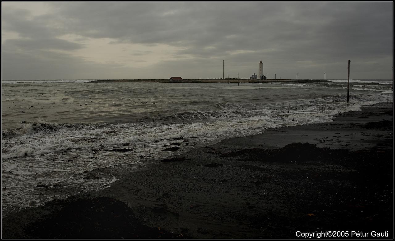 09 April. The lighthouse at Grótta at spring tides.