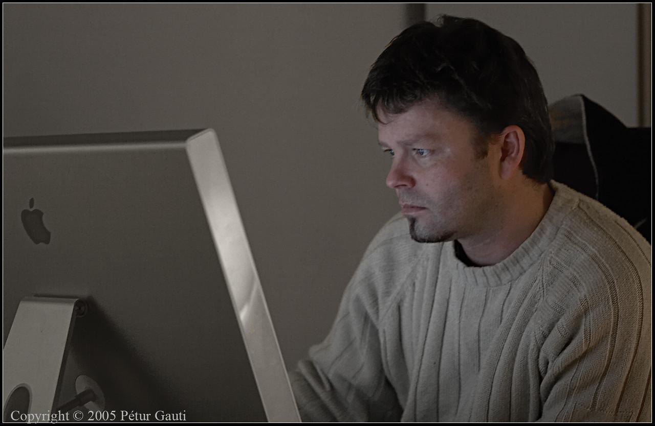 05. Dec. Bjarki at work.