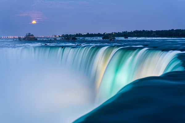 Niagara Falls Super Moon