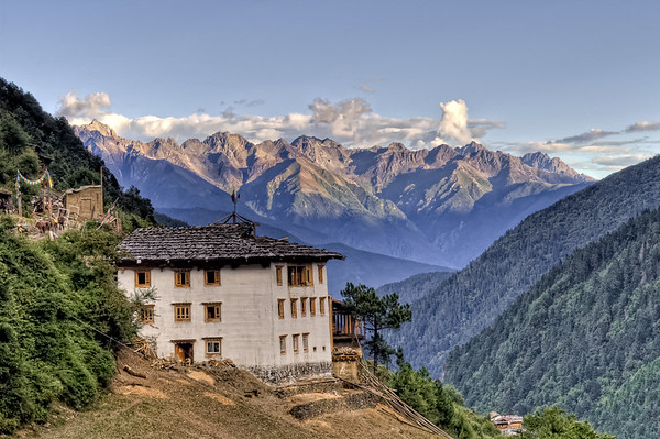 Comfortable House in Yubeng