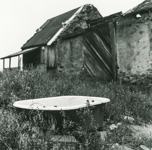 bathtub-shed060