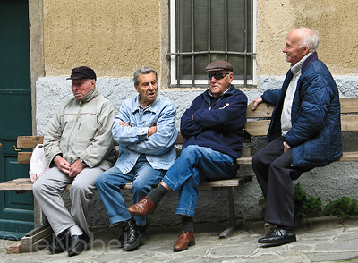 folks in Manarolo (Cinque Terre), Italy