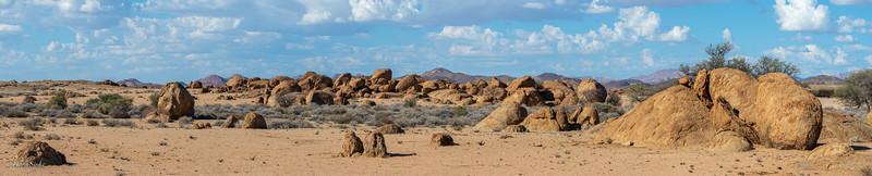 Interesting rock formations between Tinkas and Bloedkoppie