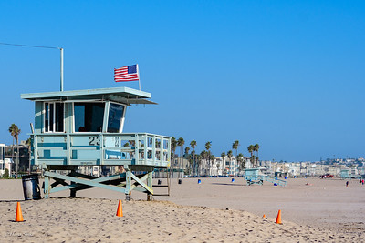 One of the many lifeguard towers at Venice Beach.