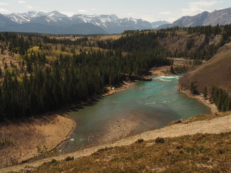 Our route back is as simple as it gets,  <br /> just follow along the river valley right back to the dam at Kananaskis Falls and our vehicles.
