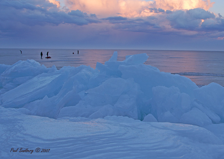 When I am on Lake Superior in a boat or kayak, I always get an immense feeling of awe at the great expanse of water surrounding me. This week I got that feeling again but I wasn't in a boat. We have lived along the shores of Lake Superior for 30+ years. We have never had clear, beautiful ice thick enough to skate on. That's right, skating on Lake Superior. Ice covered the big lake from the Duluth lift bridge to the French River. Hundreds took advantage of the opportunity.