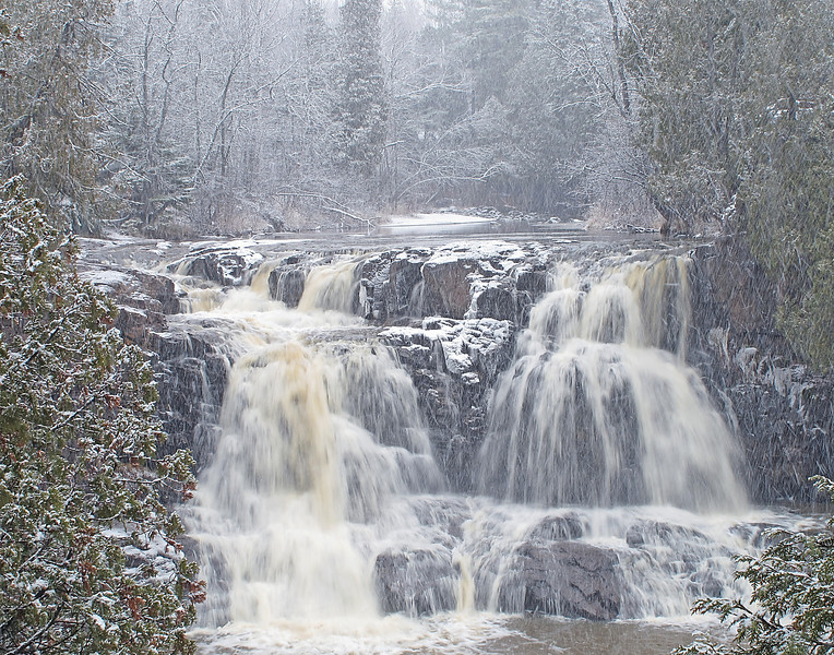 Upper Gooseberry Falls<br /> <br /> This week started off with a dusting of snow but it didn't last long.