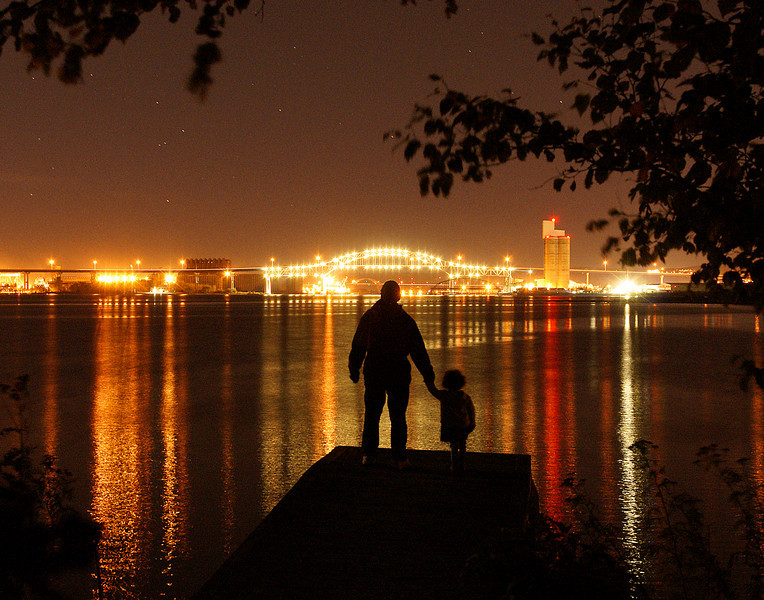 Duluth Superior Skyline<br /> <br /> Our daughter and granddaughter came from Atlanta so we were able to spend time with them. I took Addie out on the dock to see the beautiful reflections in the water.