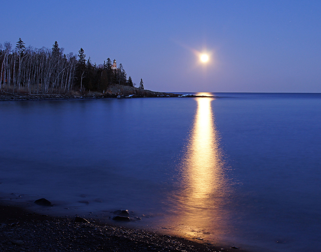 Moonrise Over Split Rock