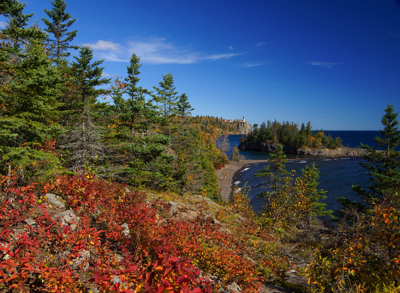 Split Rock Lighthouse State Park<br /> <br /> Even with several days of high winds there was some great color on the shore this week.