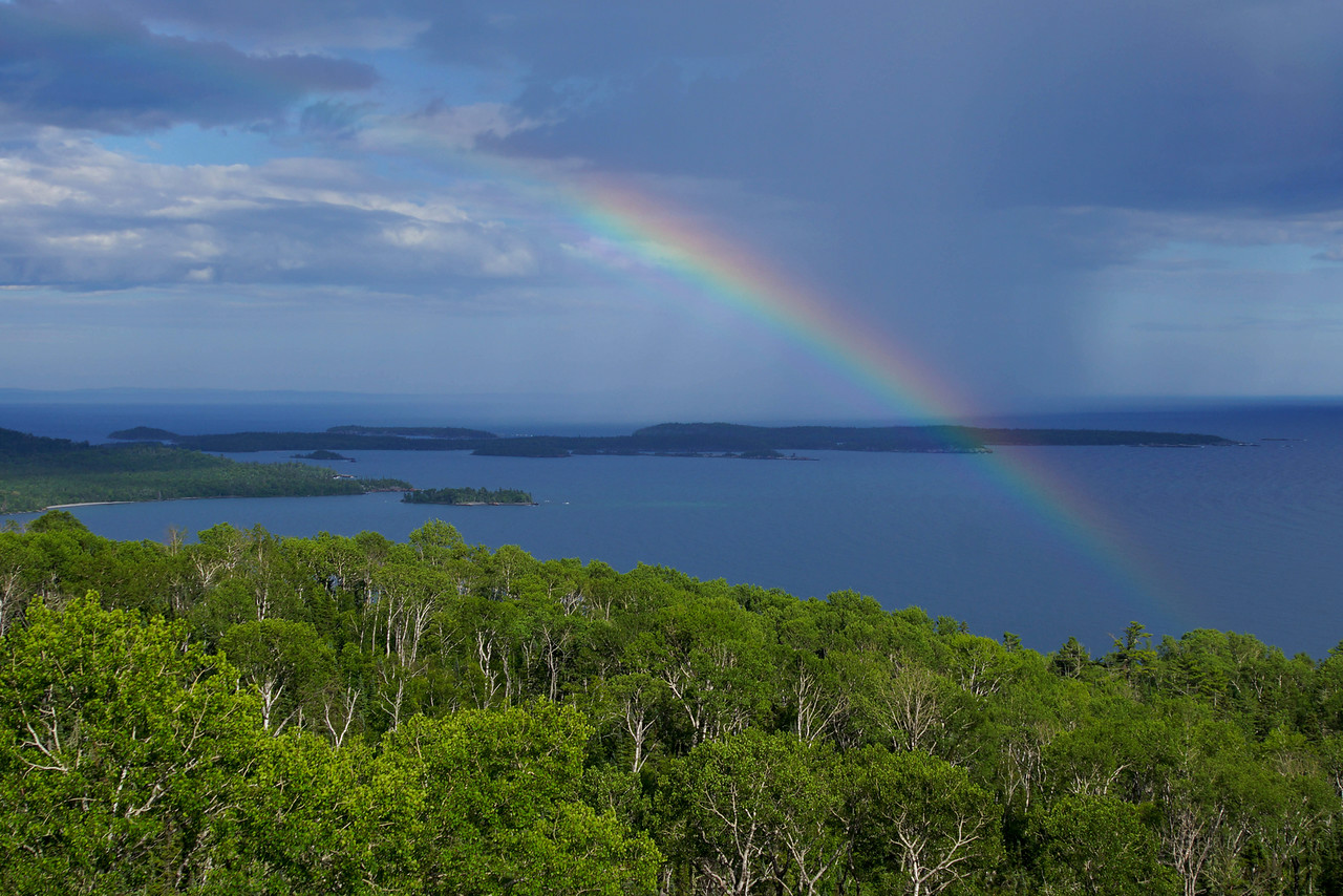 Susie Islands Rainbow