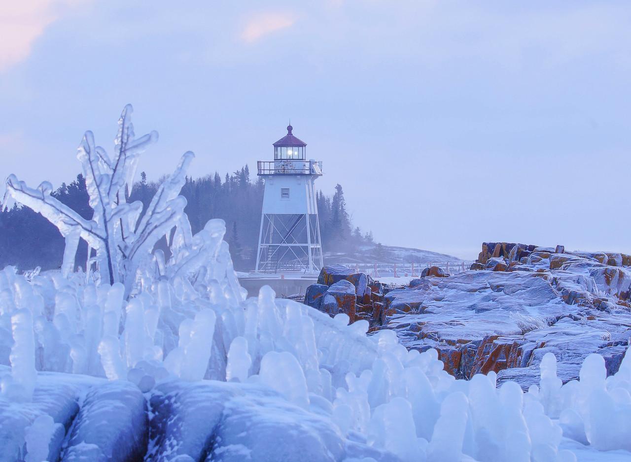 Grand Marais Harbor Ice 001