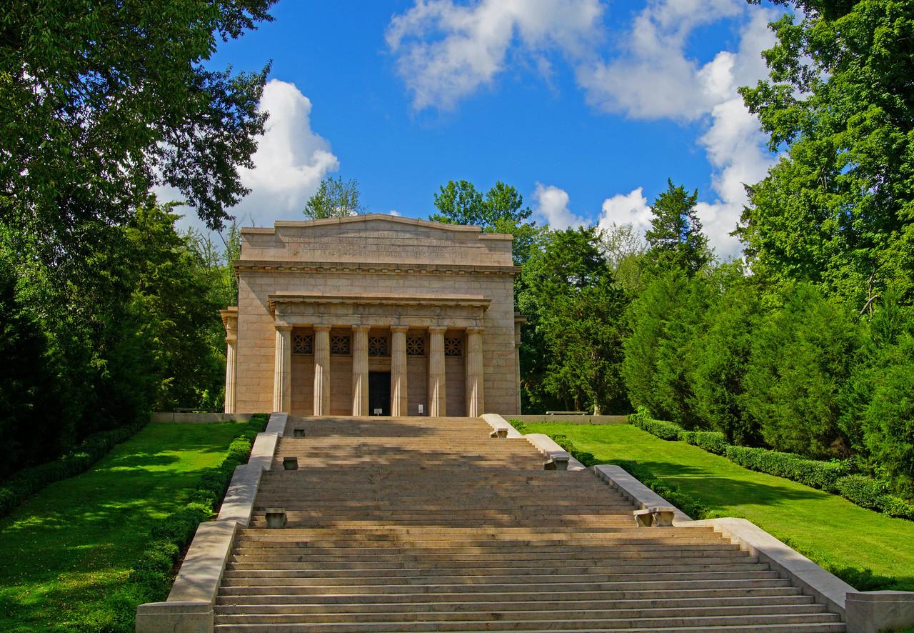 Lincoln Birthplace Memorial 001