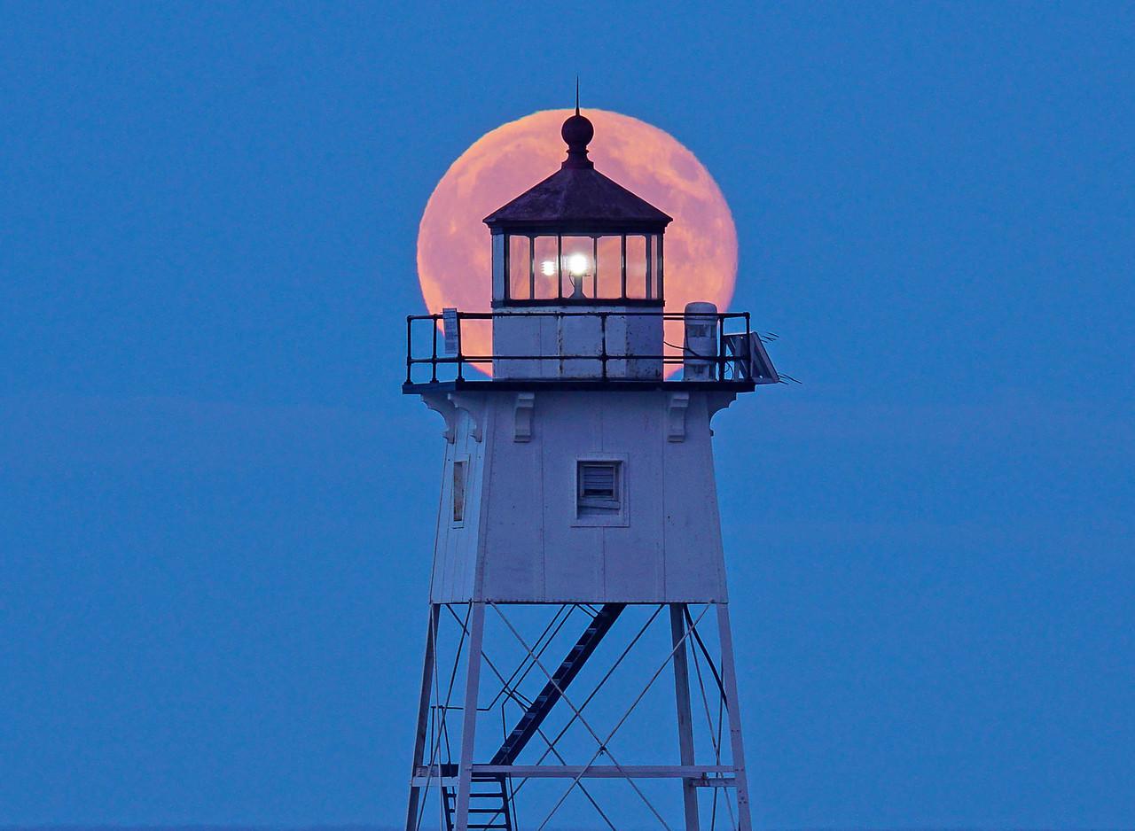 Blue Moon Grand Marais Harbor 001