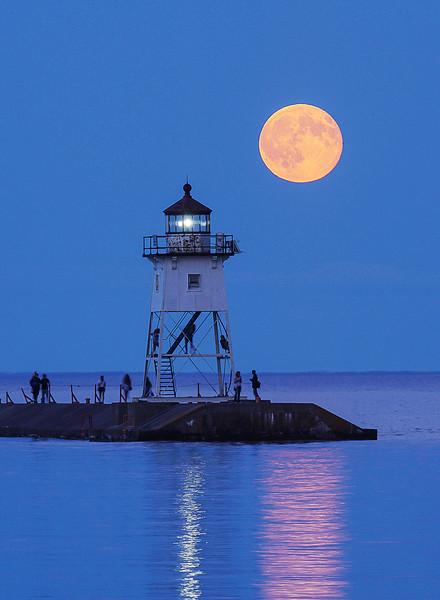 Blue Moon Grand Marais Harbor 002
