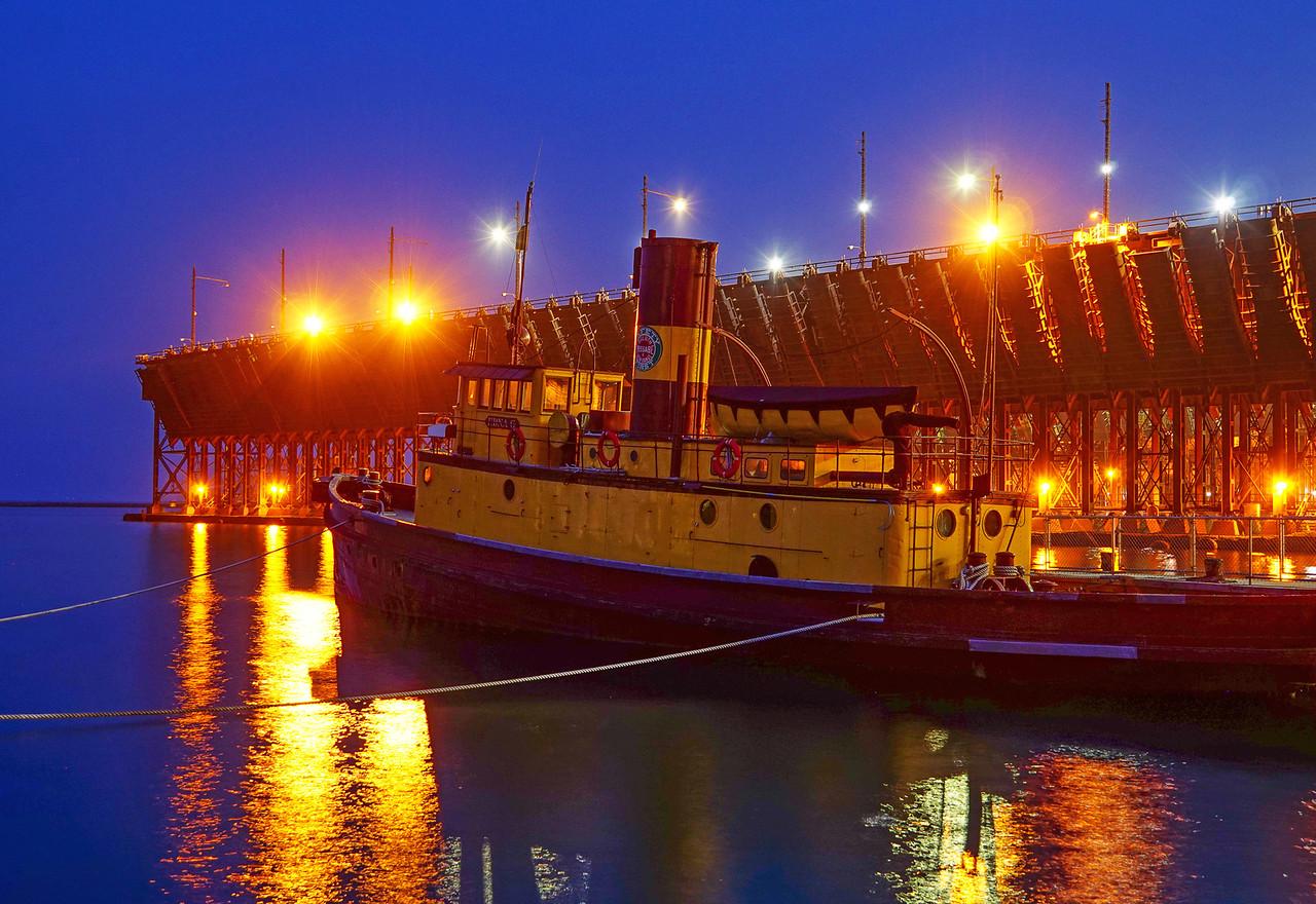 Moonrise Edna G Tugboat 003