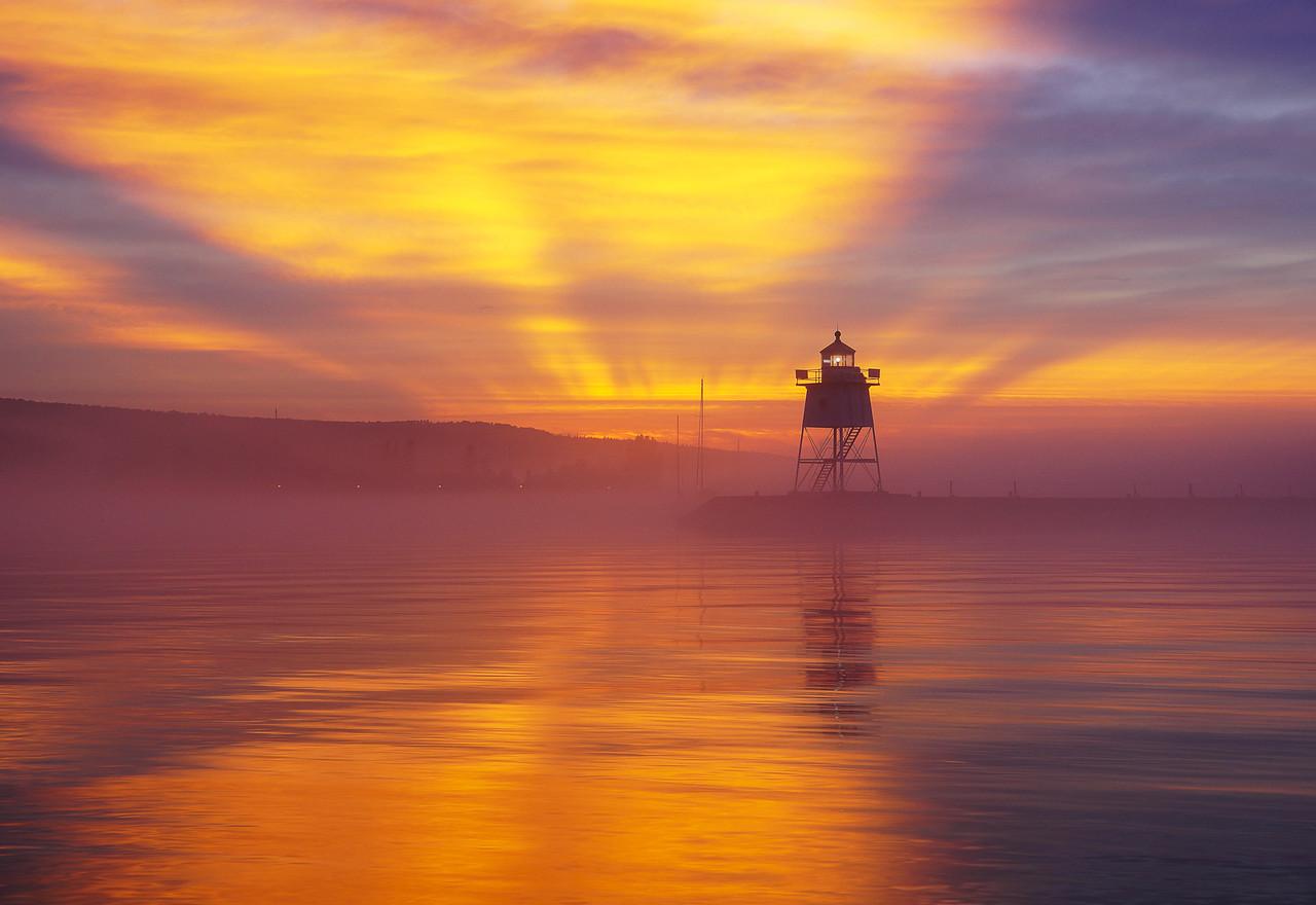 Grand Marais Sunrise 009