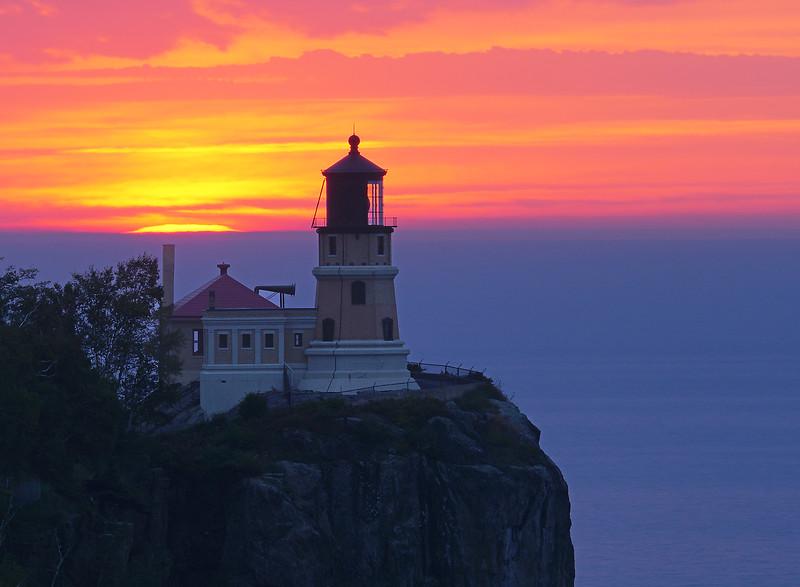 Split Rock Lighthouse Sunrise 001